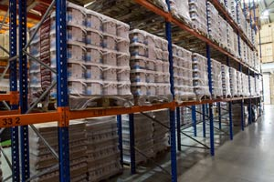 A line of pallets in a storage warehouse